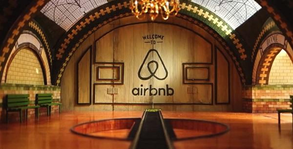 """Welcome to Airbnb"" - Espectacular anuncio hecho a mano"